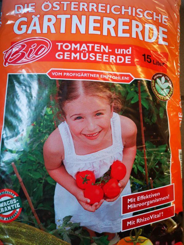 Tomaten- und Gemüseerde 1