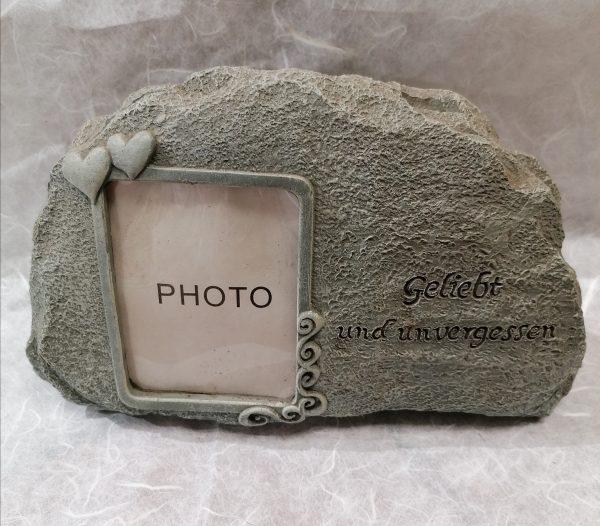Stein aus Kunstharz 1