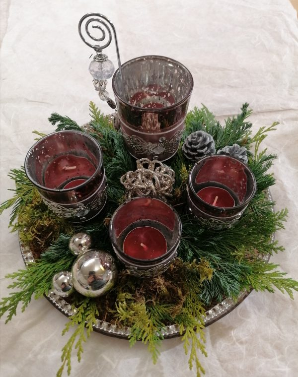Adventteller dekoriert 1