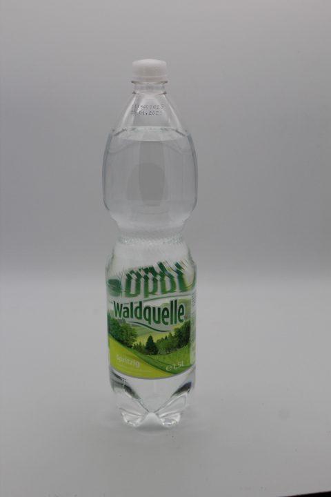 Waldquelle Mineralwasser spritzig 1,5l 1