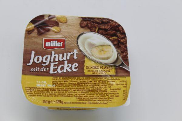Müller Joghurt mit Schokoflakes 1