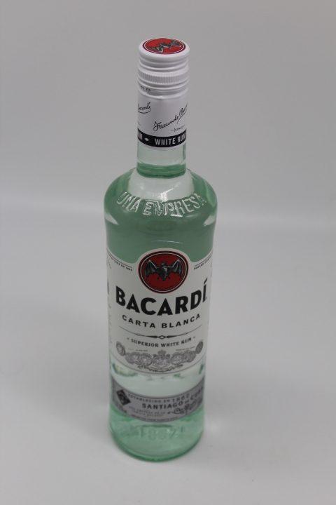 Bacardi Carta Blanca 0,7L 1